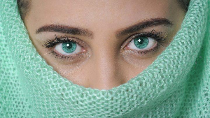 Tmavé kruhy či opuchy očí. Ako sa ich zbaviť?